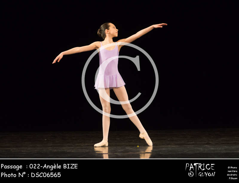 022-Angèle_BIZE-DSC06565