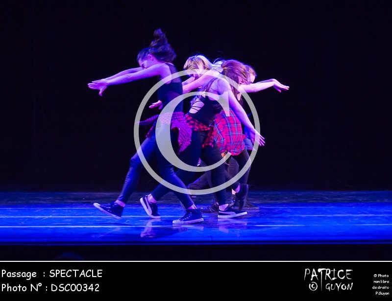 SPECTACLE-DSC00342