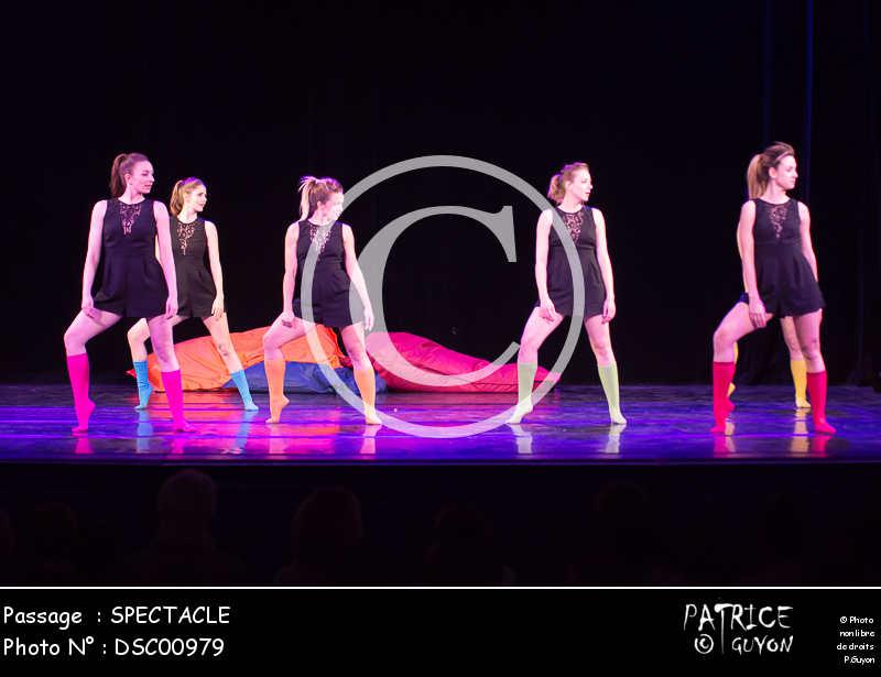 SPECTACLE-DSC00979