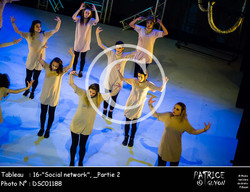 _Partie 2, 16--Social network--DSC01188