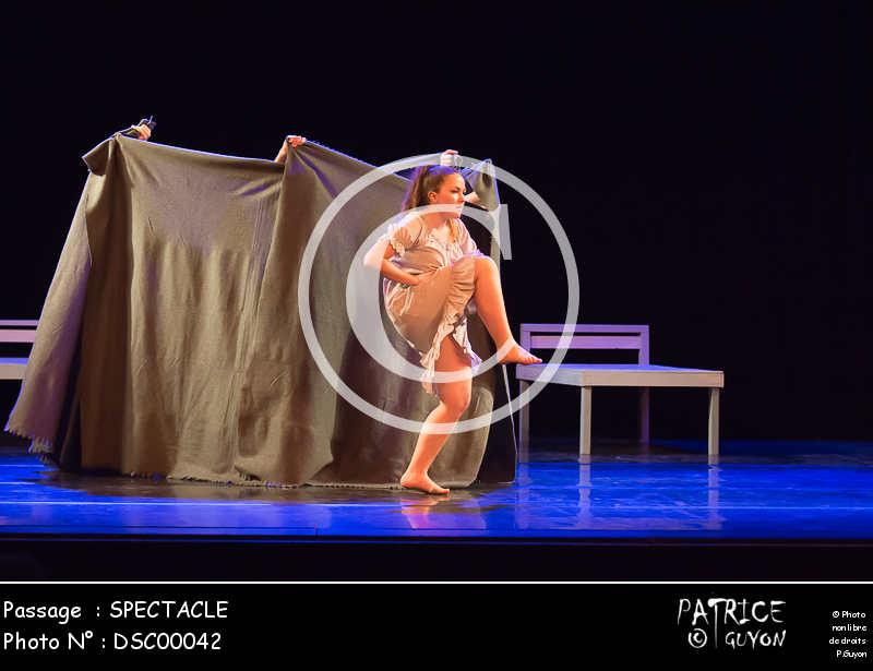 SPECTACLE-DSC00042