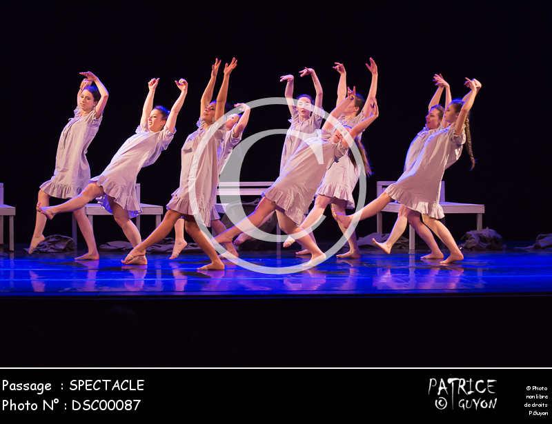 SPECTACLE-DSC00087