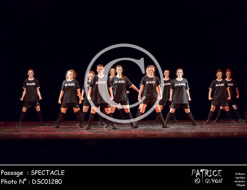 SPECTACLE-DSC01280