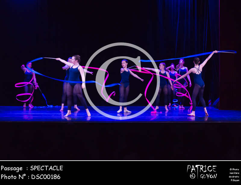 SPECTACLE-DSC00186
