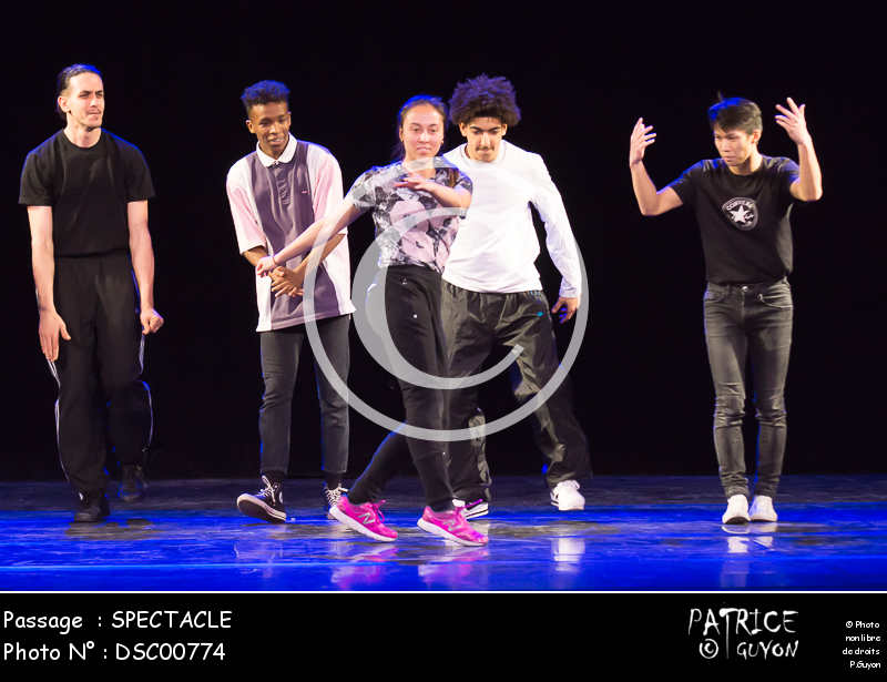 SPECTACLE-DSC00774