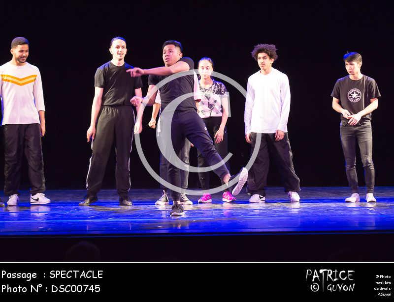 SPECTACLE-DSC00745