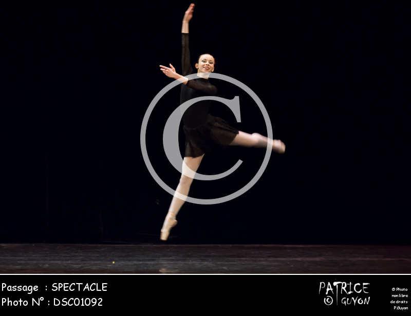 SPECTACLE-DSC01092