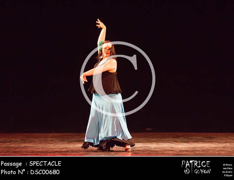 SPECTACLE-DSC00680