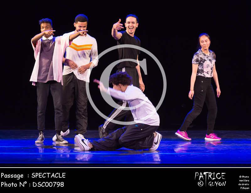SPECTACLE-DSC00798