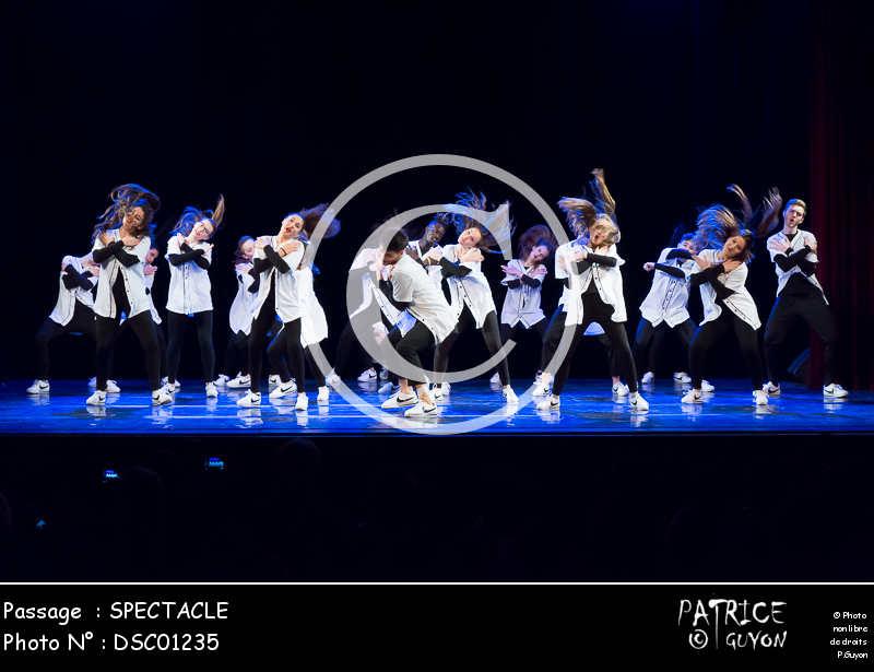 SPECTACLE-DSC01235