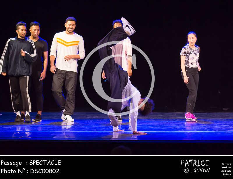 SPECTACLE-DSC00802