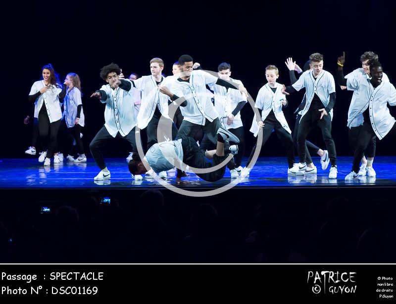 SPECTACLE-DSC01169