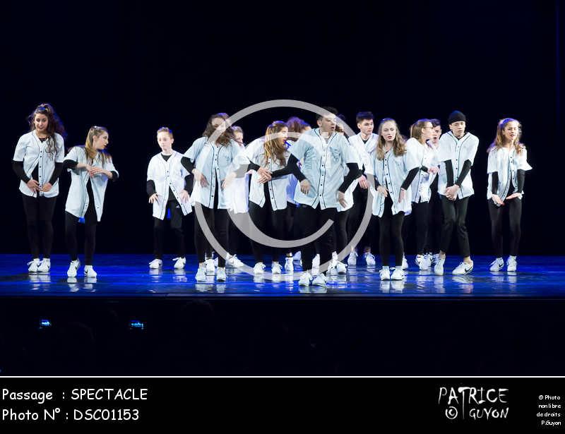 SPECTACLE-DSC01153