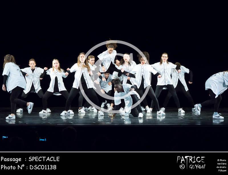 SPECTACLE-DSC01138