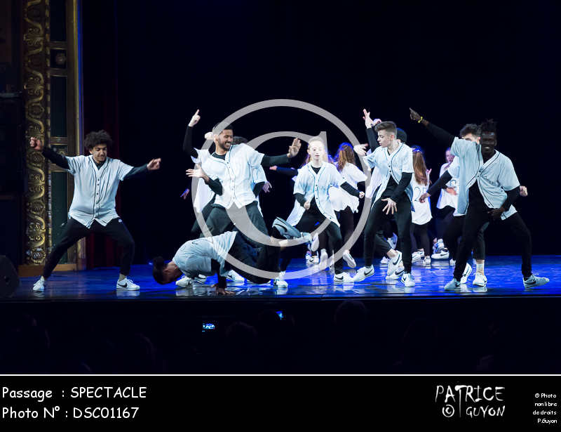 SPECTACLE-DSC01167