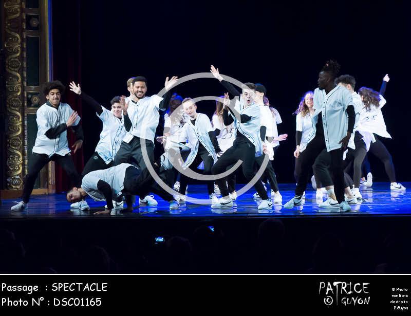 SPECTACLE-DSC01165