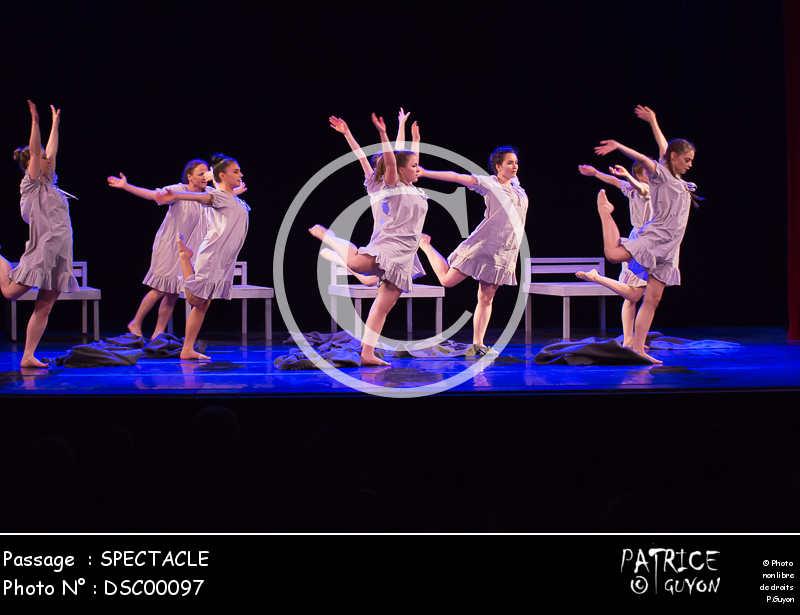 SPECTACLE-DSC00097