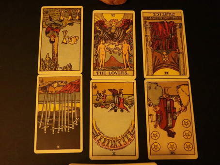 How to Perform a Love Tarot Reading