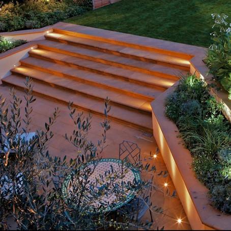 Kertvilágítás: jó tanácsok lépcsővilágításhoz