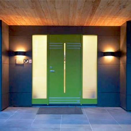 Variációk a bejárati ajtó megvilágítására