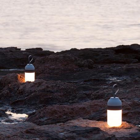 Nem csak világít, annál többet is tud - lámpák extrákkal