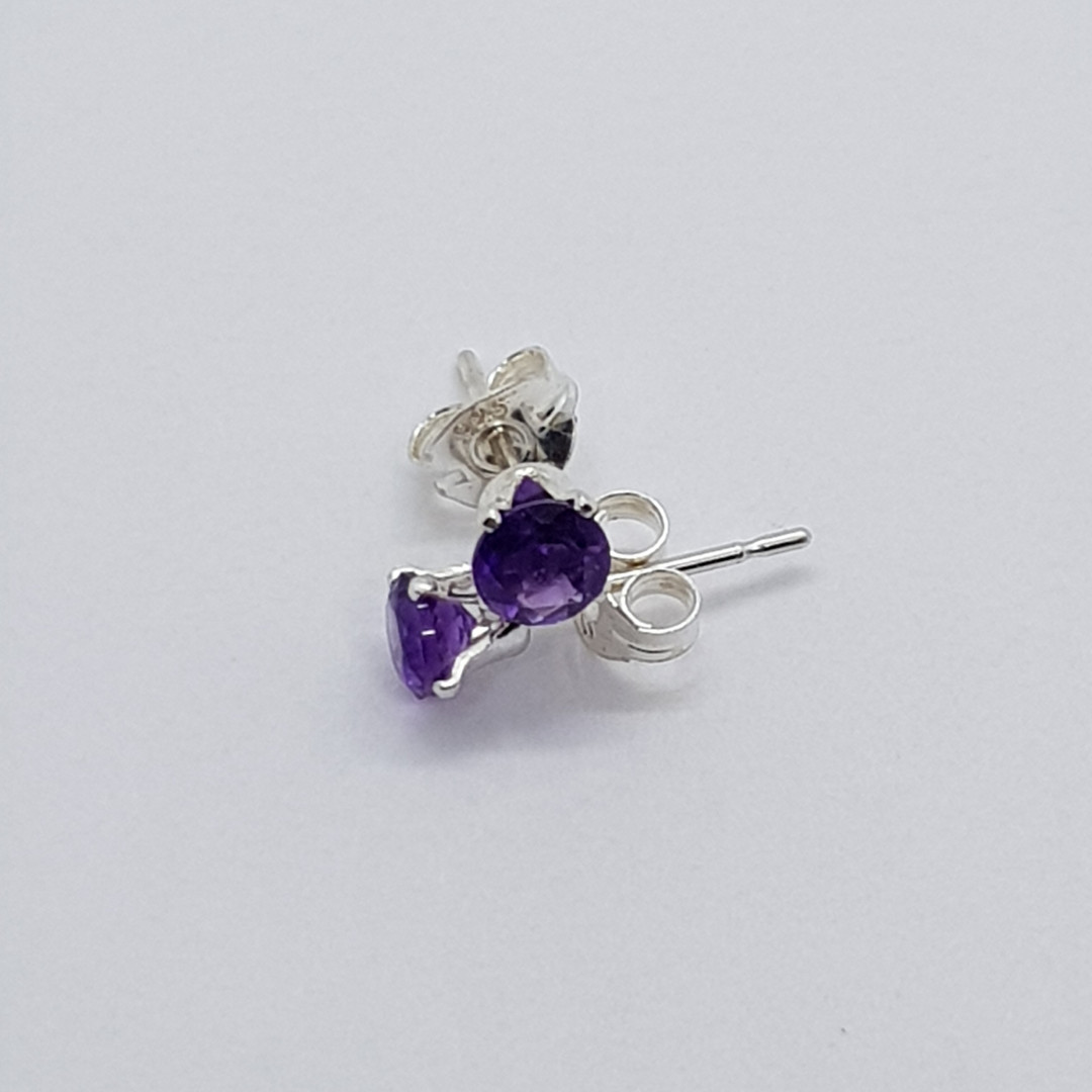 Round Faceted Sterling Silver Amethyst Studs