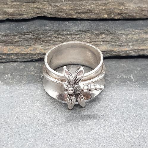 Dragonfly Spinner Ring