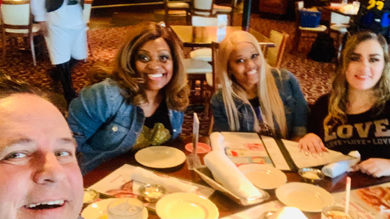 Great fun at the birthday lunch for www.cadori.net with Eric & Chimere at Pappadeaux