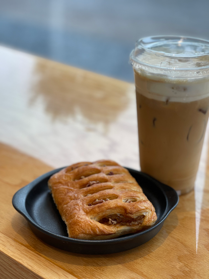 viennoiserie & café glacé