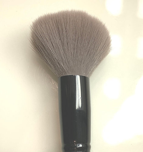 #6 &1/2 BRONZER BRUSH