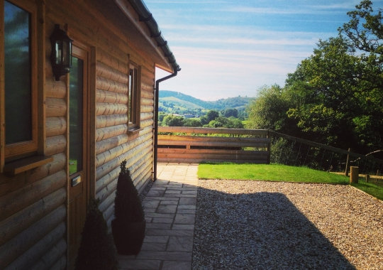 Cwm-Yr-Hendy Lodges