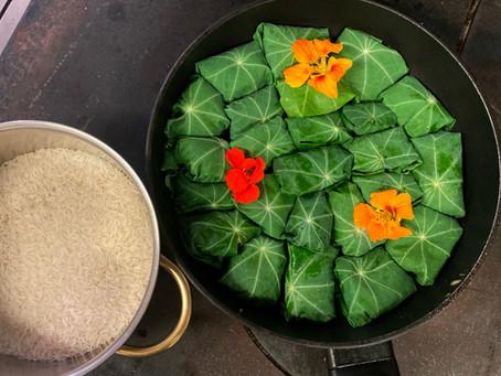 Kalamari-Fleischbällchen im Kapuzinerkresseblatt