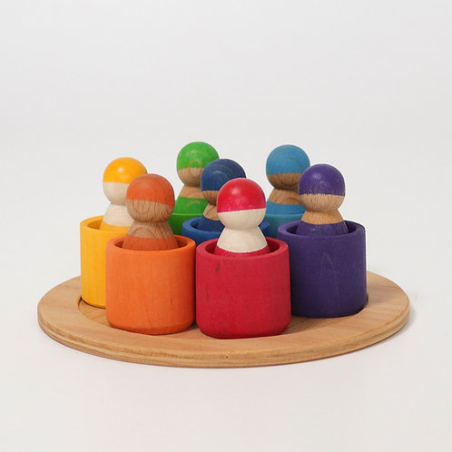 Grimms Seven friends in wooden bowls