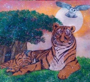 Картина в багете светящаяся в темноте. Тигр и сова 300*300
