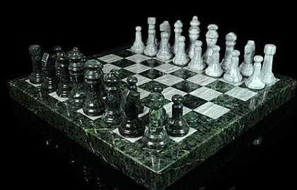 Шахматы из змеевика  и мрамора 320*320*30мм