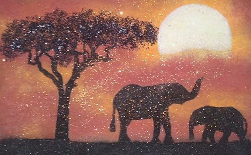 Картина в багете светящаяся в темноте. Слоны 300*200 мм