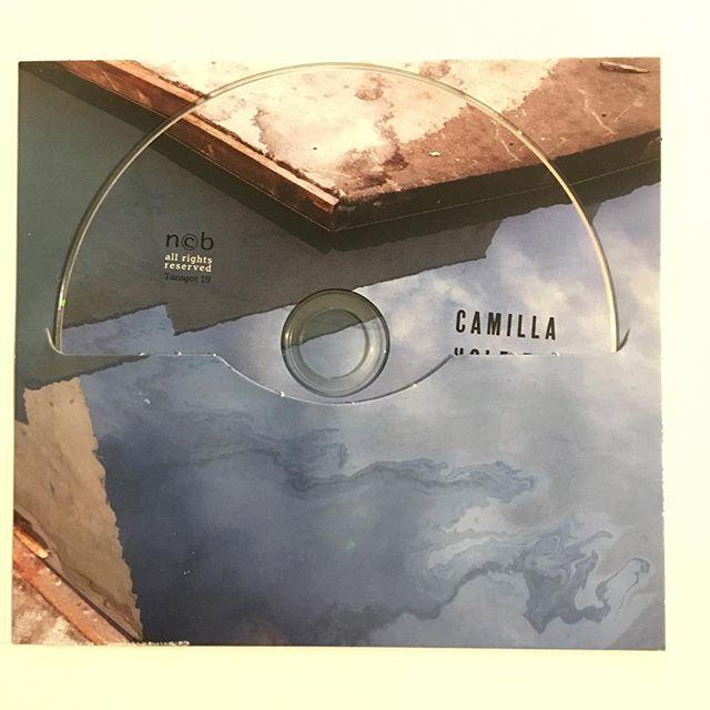 CAMILLA HOLE TRIO — Halvemål (15.10