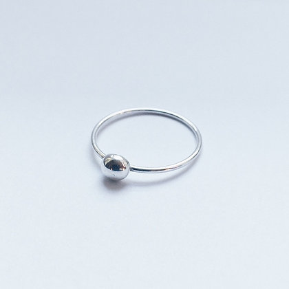 8pm jewellery arol sterling silver ring with mini pebble