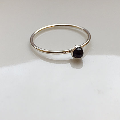 8pm jewellery Blanche Sterling Silver Ring with Black Onyx Stone
