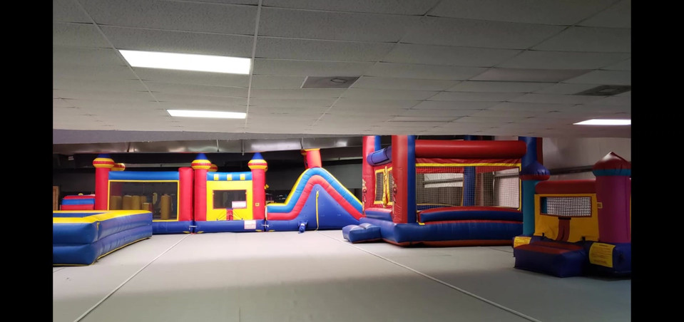 bounce house bowling alley3.mp4