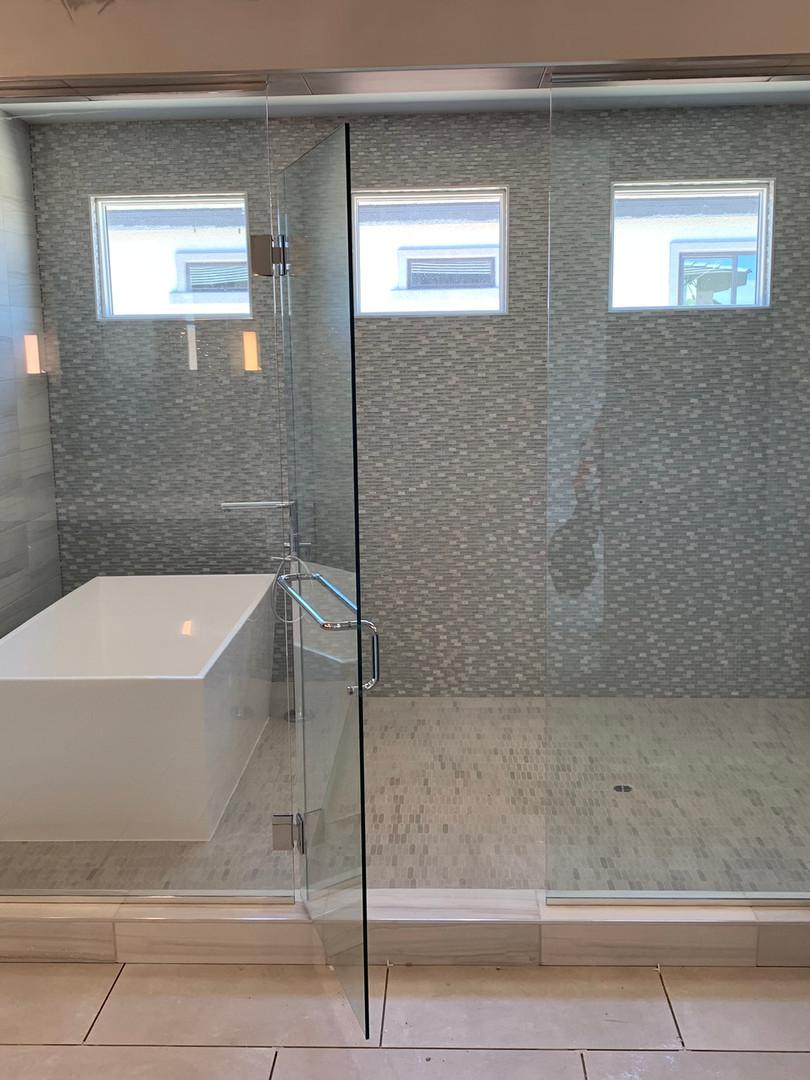 las vegas custom shower enclosure with t