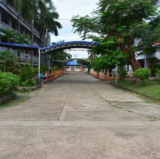 ถนนระหว่างอาคาร 1 และ 2