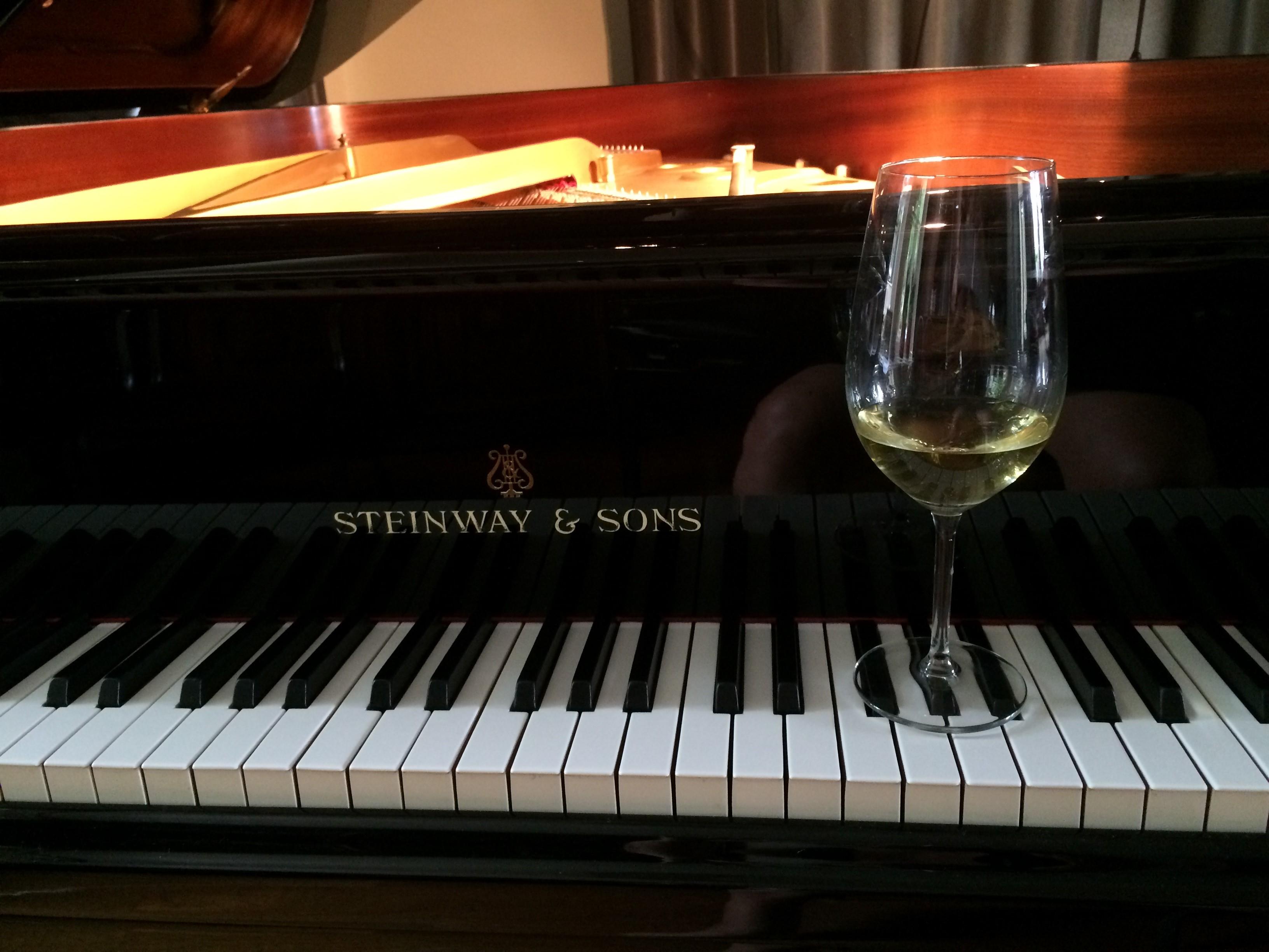Huisconcert en witte wijn proeverij