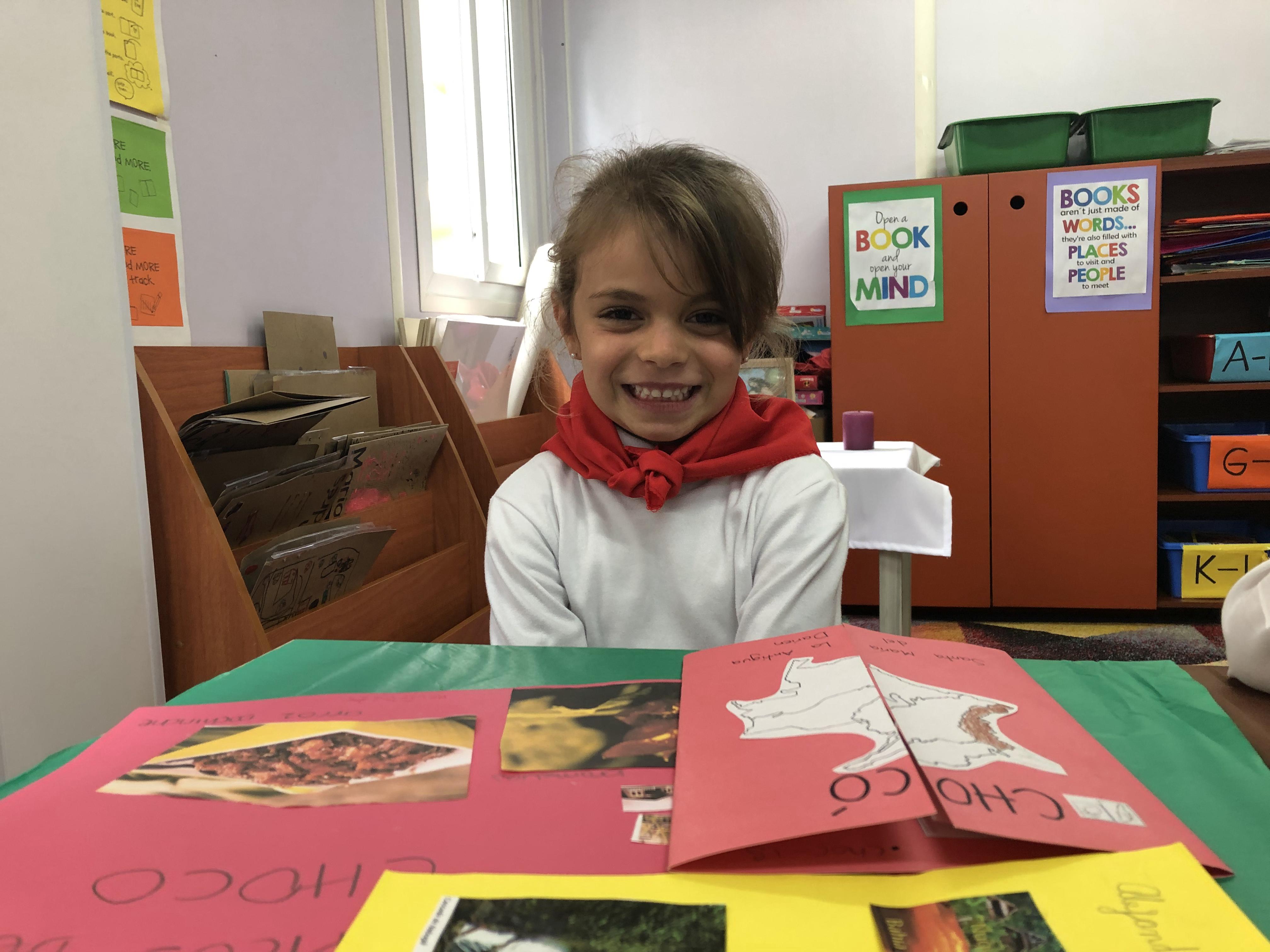 Estudiantes aprendiendo felices