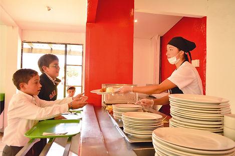 Servimos comida de calidad con menús variados para unaexcelente alimentación de nuestros alumnos