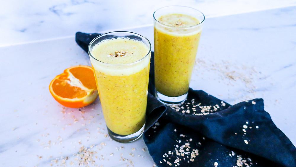 Erfrischender Zitrone Orange Smoothie - Follikular Phase Weiblichkeitsserie #weiblichkeit #smoothie #healthy #hormones #cycle #recipe #follicular #gesund #frauengesundheit #schnell #easy #abnehmen #weightloss #lowcalories #vegan #zyklus #frauen
