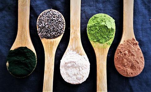 Superfoods_gegeneinander-min.jpg
