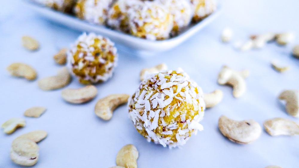 Aprikose Kokos Balls #delicious #dessert #snack #balls #energyballs #exotisch #healthy #gesund #recipe #rezept #easy #quick #snacking #vegan