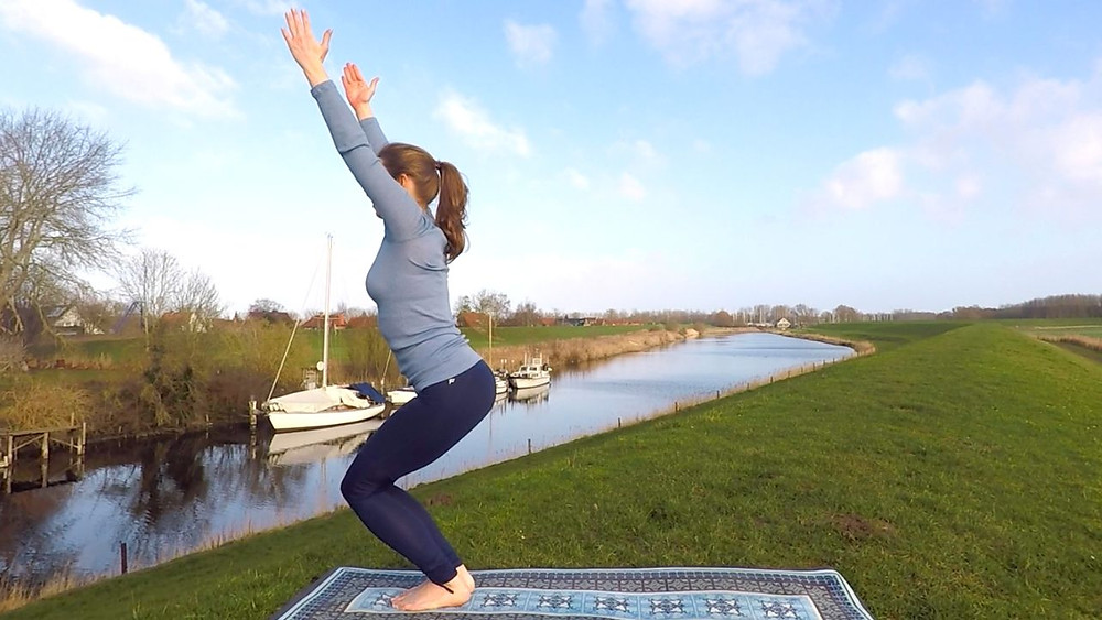 Energie Full Body Yoga #nordsee #yoga #fitness #energy #pose #asana #lifestyle #video #workout #healthy #happy