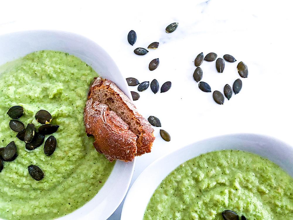 Waermende schnelle Brokkoli Kokos Suppe #suppe #vegan #gesund #rezept #einfach #schnell #lifestyle #fit #yoga